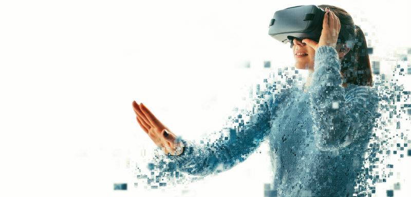 Femme réalité virtuelle
