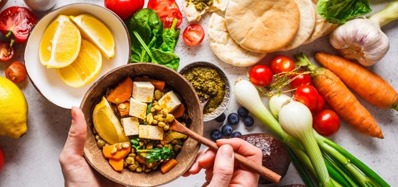 Pour maigrir, régime végétalien ou méditerranéen ?